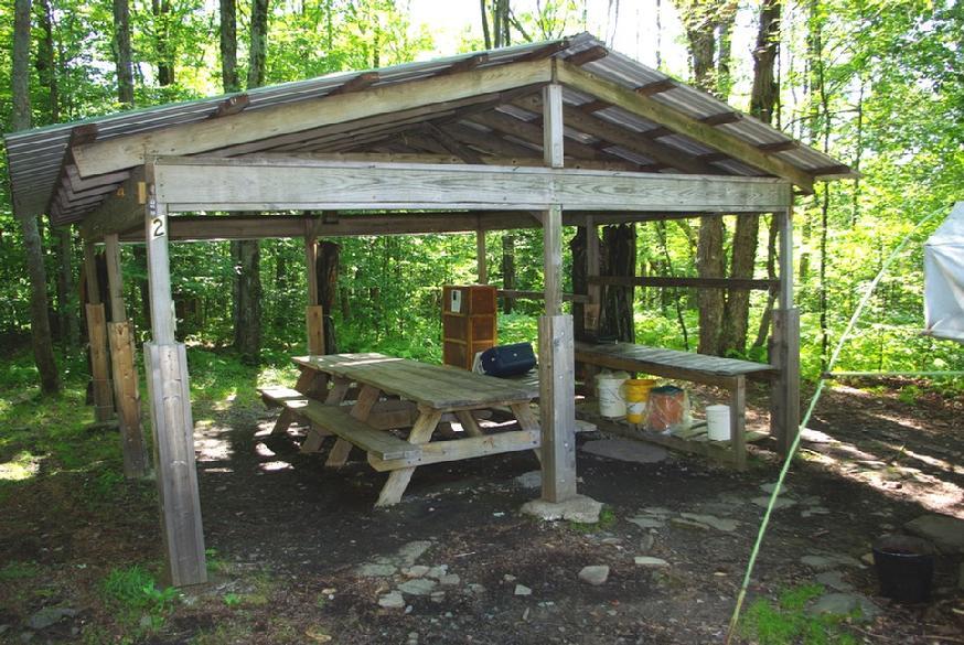 874_Hogan_right_dining_shelter_close