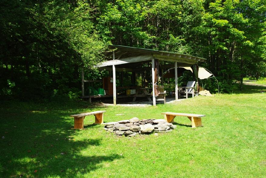 874_ovr-dining-view-from-tent