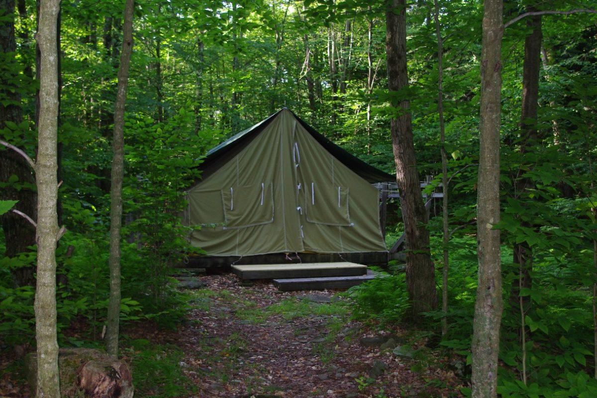 Hogan_Right_New Tent_new